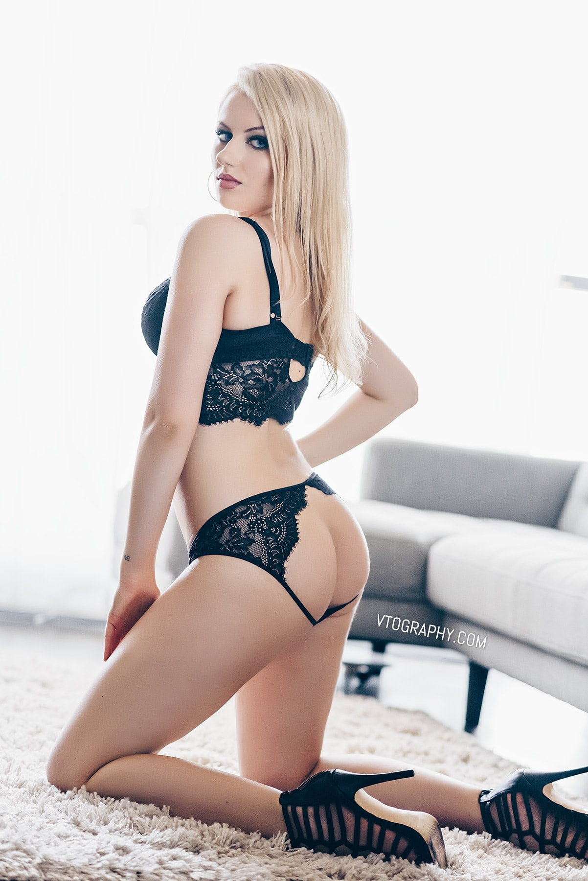 Valerie Muren lingerie photo shoot