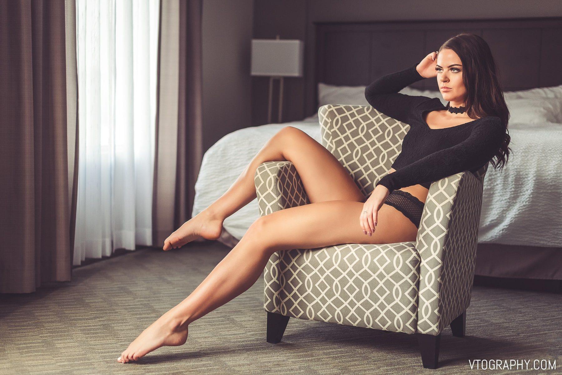 Boudoir photo shoot with model Kelsie