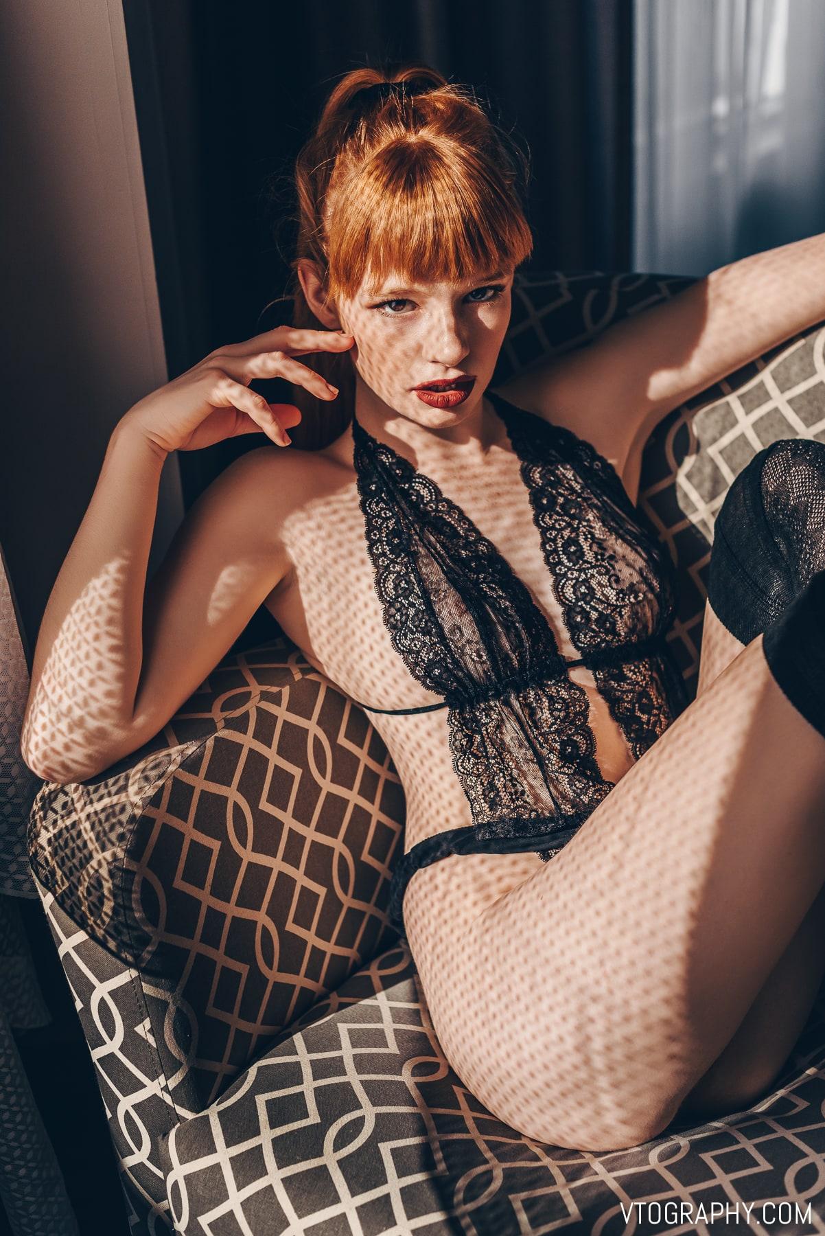 Boudoir photo shoot with redhead model Jamie aka @jamtothejars